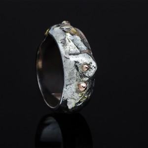 Trijų metalų žiedas