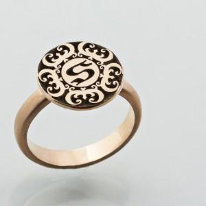 Žiedas su Wu Fu simboliu