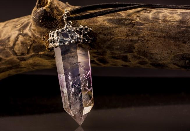 Sidabrinis pakabukas su ametisto kristalu