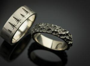 Skirtingi vestuviniai žiedai iš balto aukso