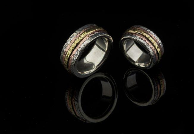 Vienetiniai vestuviniai žiedai iš sidabro, vario ir žalvario.