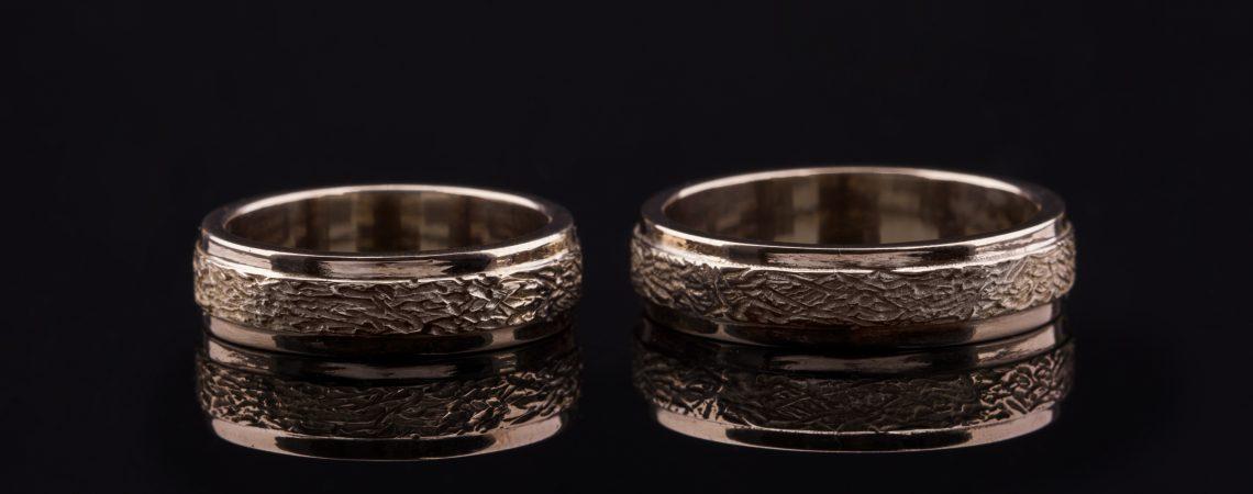 Raudono aukso vestuviniai žiedai. Klasikinis modelis.