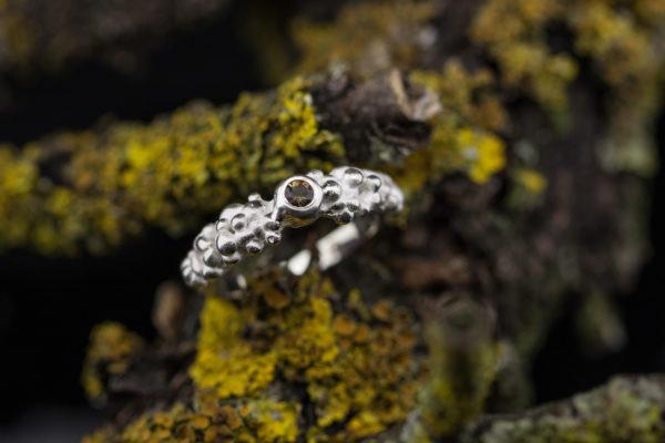Sidabrinis žiedas su andalūzitu