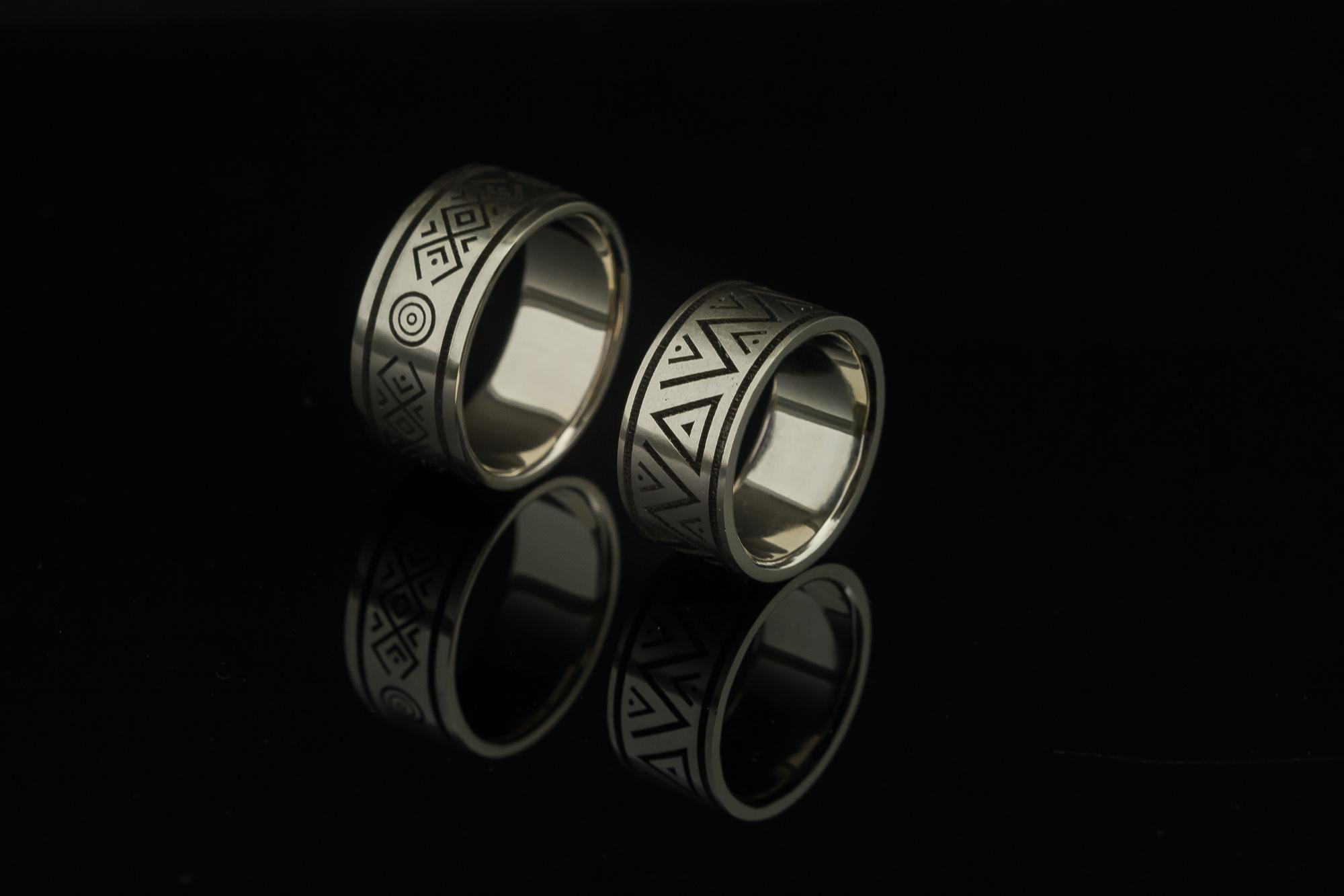 Platūs vestuviniai žiedai