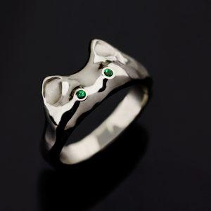 Balto aukso sužadėtuvių žiedas katinas
