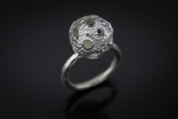 Žiedas mėnulis