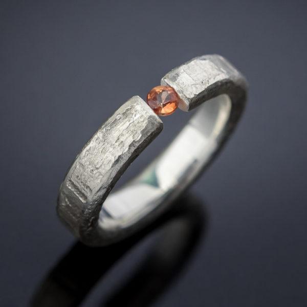 Grubus sidabrinis žiedas
