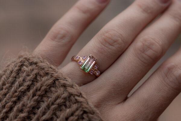 Žiedas su turmalinu
