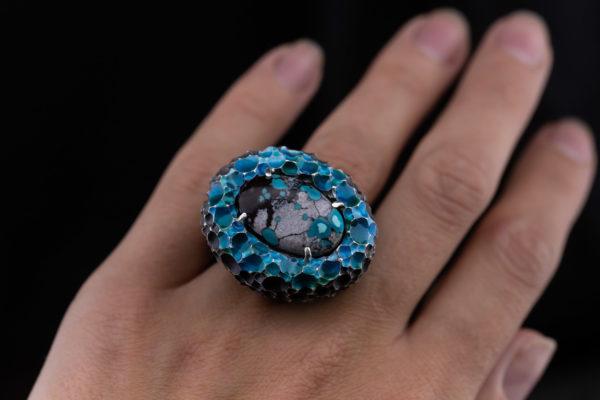 Masyvus žiedas su turkiu