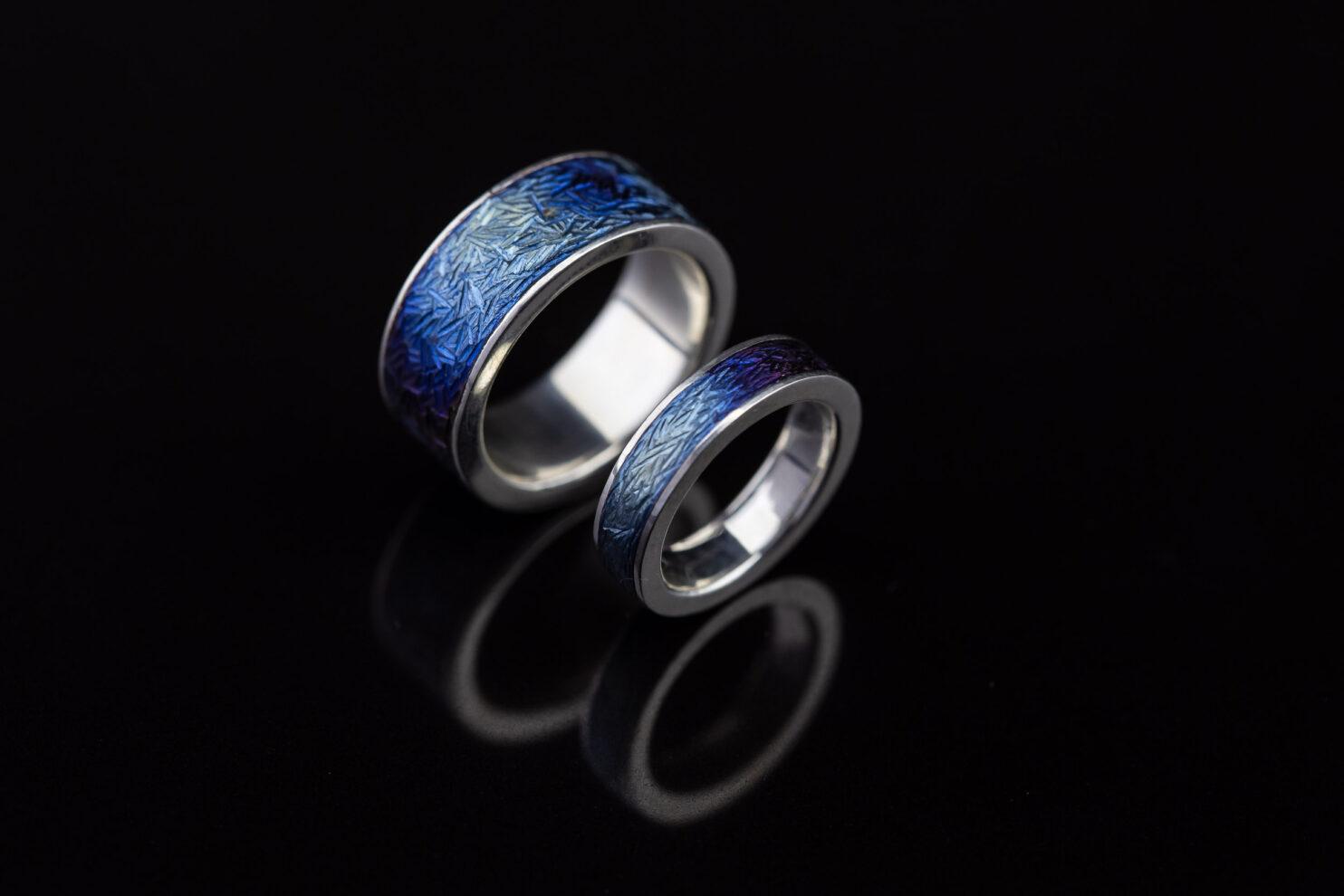 Titano ir sidabro spalvoti vestuviniai žiedai