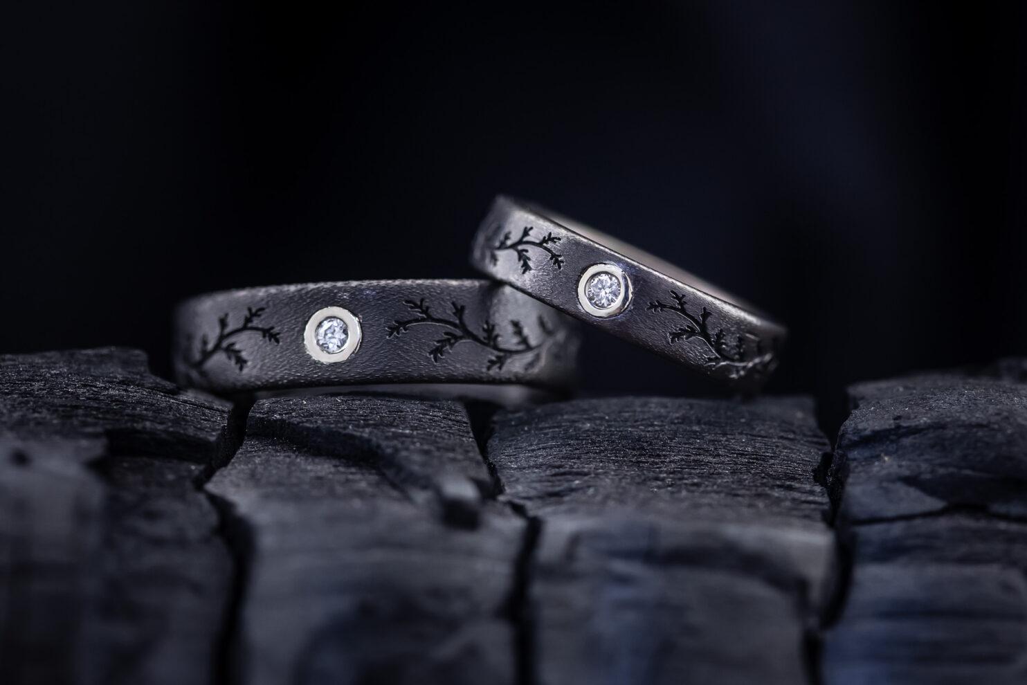 Titaniniai vestuviniai žiedai su briliantais