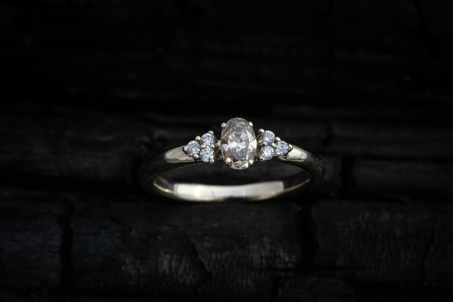 Sužadėtuvių žiedas su briliantais