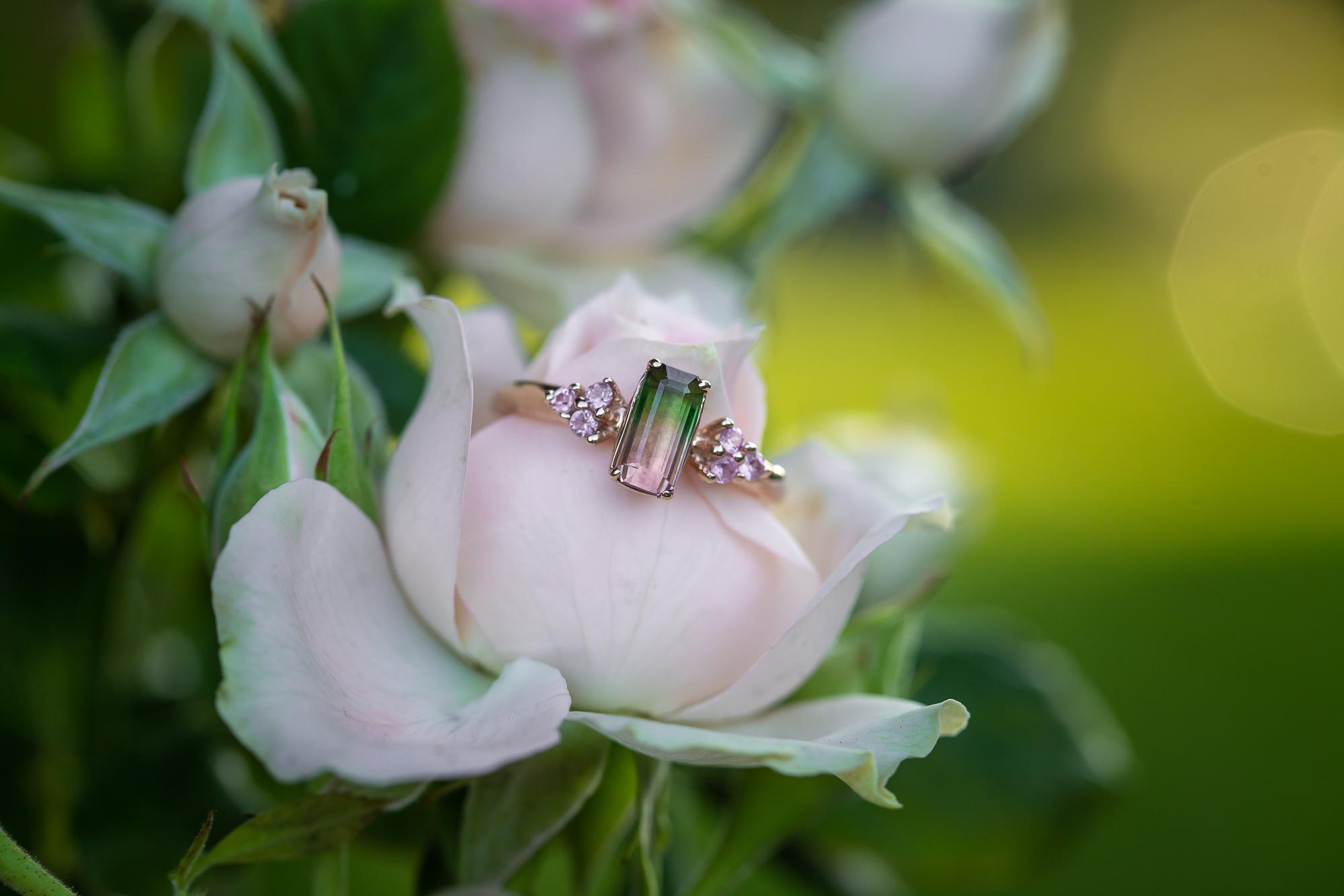 Sužadėtuvių žiedas su turmalinu